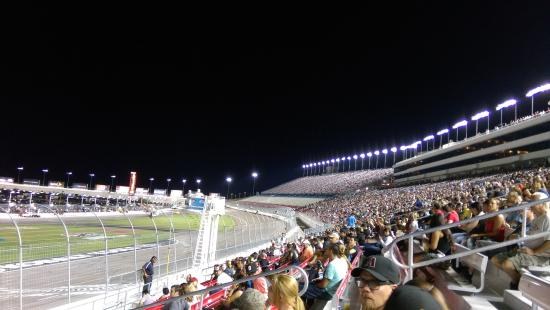 Holiday guide to las vegas travel guide on tripadvisor for Hotels by las vegas motor speedway