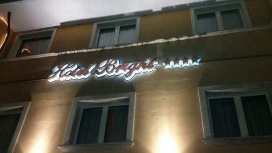 Ingresso Hotel Bright