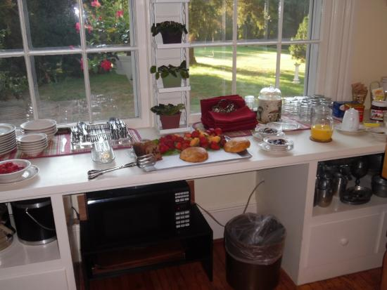 Fountain Hall B&B: Buffet Breakfast