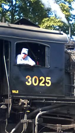 เอสเซกซ์, คอนเน็กติกัต: Essex Steam Train Conductor