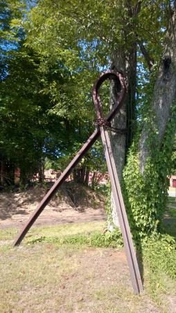 เอสเซกซ์, คอนเน็กติกัต: HOPE - iron works art piece