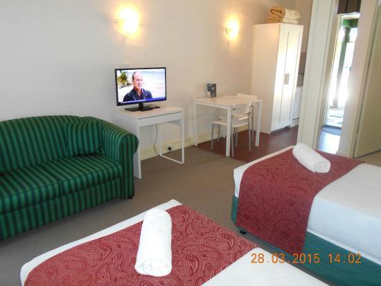 Rose City Motor Inn: Single Twin Room