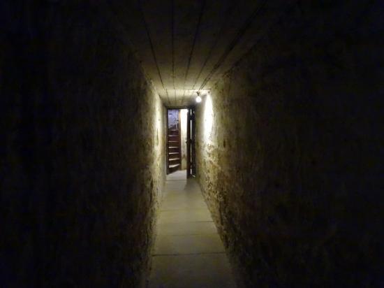坦奇监狱教堂遗址