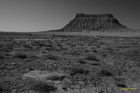 Caineville, UT : Factory Butte from Coal Mine Rd