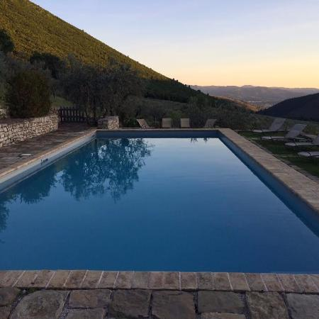 Pianciano: pool