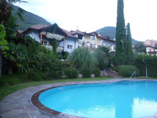 Magdalener Hof: the outdoor pool area very pleasant