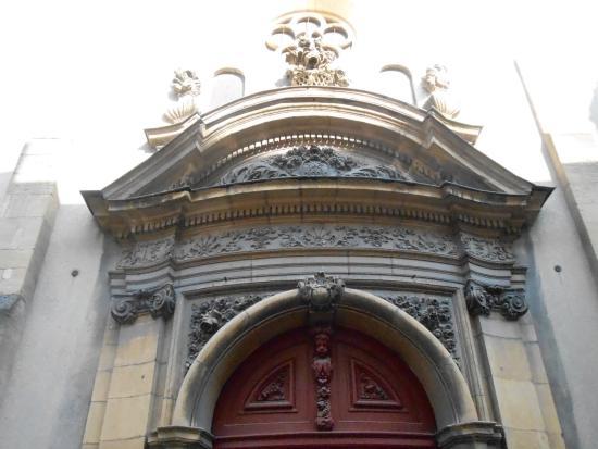 Saint Maximin: Détail de l'entrée