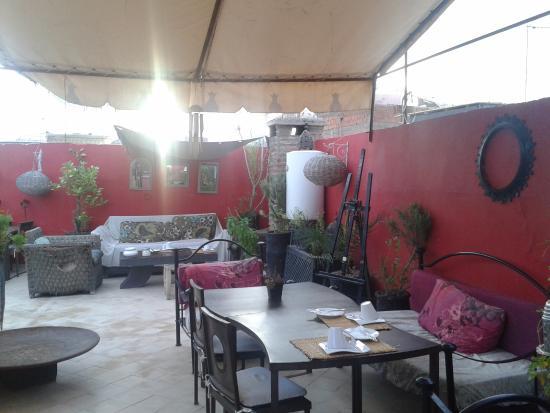 Riad Nejma Lounge: terrazza