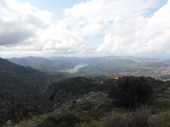 Lassithi Plateau. klooster - Foto van Lassithi Plateau ...