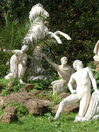 Statues In Villa Medici Gardens Picture Of Villa Medici