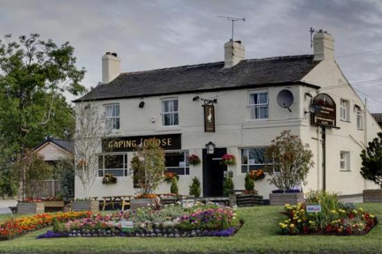 Garforth, UK: Outside of this lovely pub