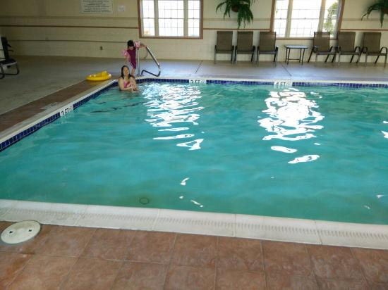 Best Western Plus Dutch Haus Inn and Suites: Pool and spa