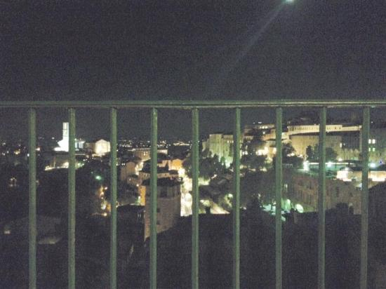 Ostello di Perugia: vista noturna da varanda