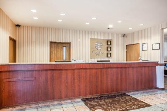 Comfort Inn Tacoma: Lobby