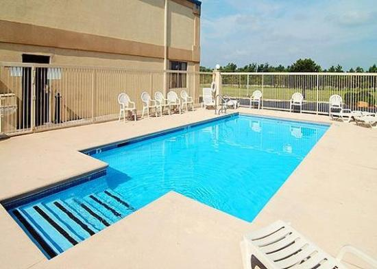 Comfort Inn Muskogee: Pool