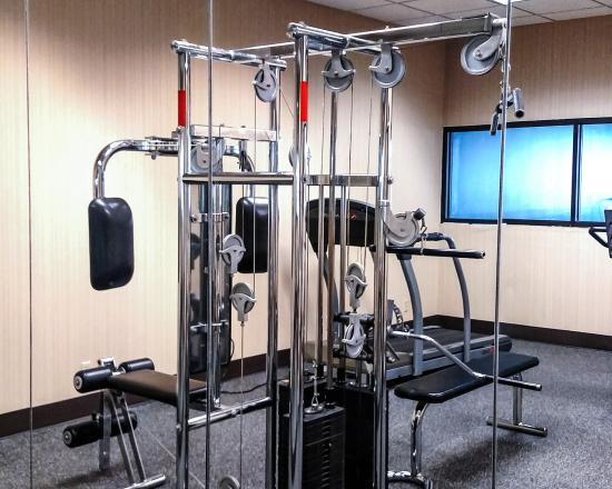 New Victorian Inn & Suites: Fitness