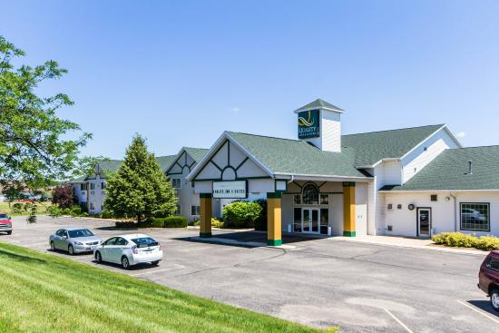 Quality Inn & Suites of Stoughton: WIExterior