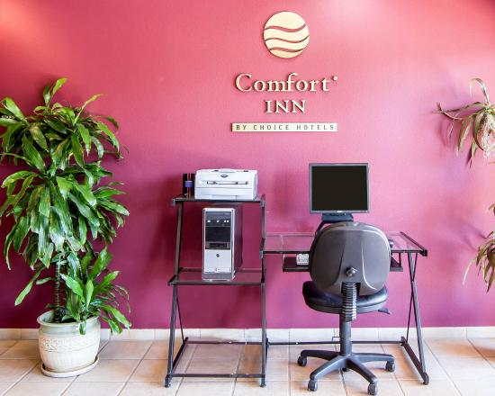 Comfort Inn: Business Center
