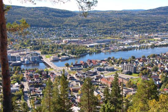 widok ze wzgórza w Drammen