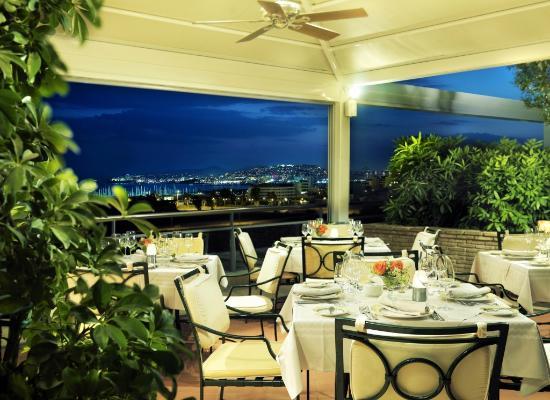 Metropolitan Hotel: La Veranda