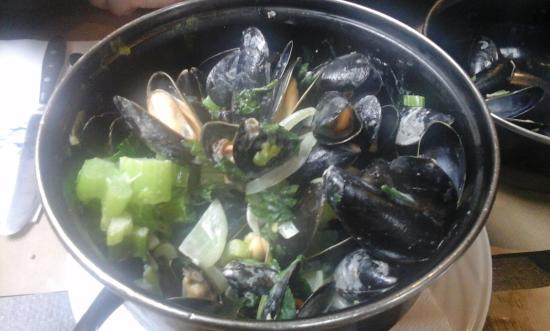 The Beer Factory : brussel mussels