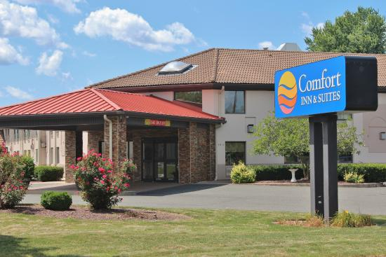 Photo of Comfort Inn & Suites West Springfield