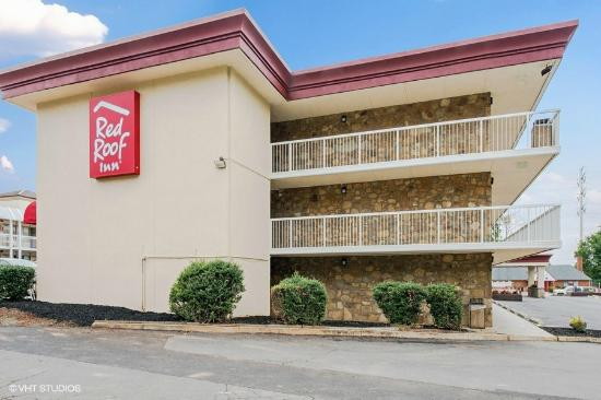 Red Roof Inn Charlottesville: Exterior - US-250W