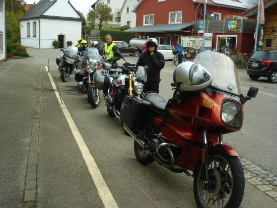 Ostrachwellen: Rast bei der Anfahrt nach Hinterstein