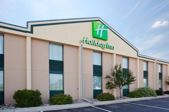 Holiday Inn Alexandria: Hotel Exterior