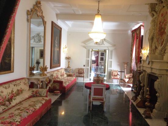 Salones interiores: fotografía de Palacio de los Golfines de Abajo, Cáceres -...