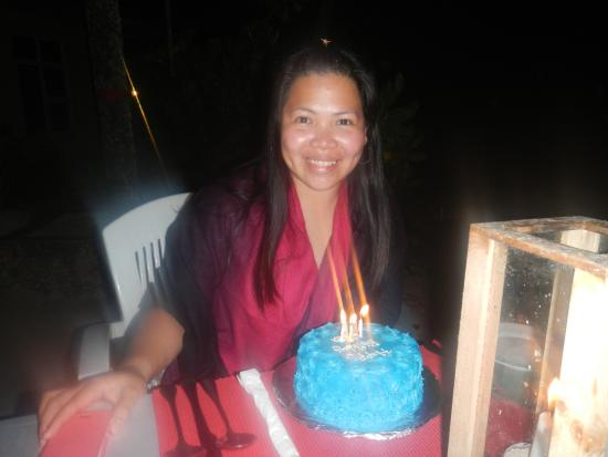 WhiteShell Beach Inn: my birthday celebration with the cake from the hotel