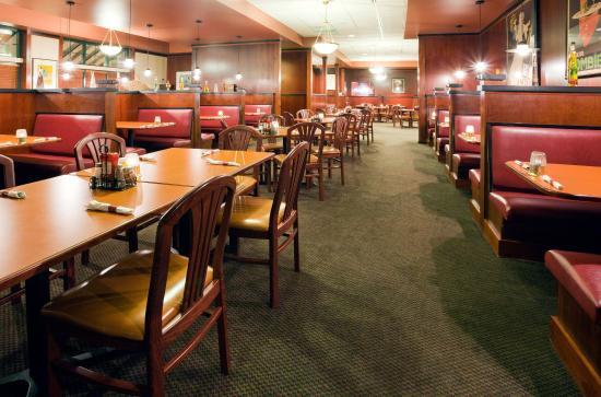 Holiday Inn Hotel & Suites Wausau-Rothschild: Restaurant