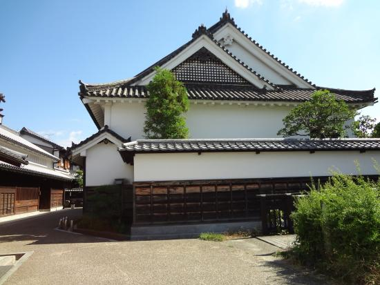 Imanishike Residence: 今井町を西でまもってきた今西家