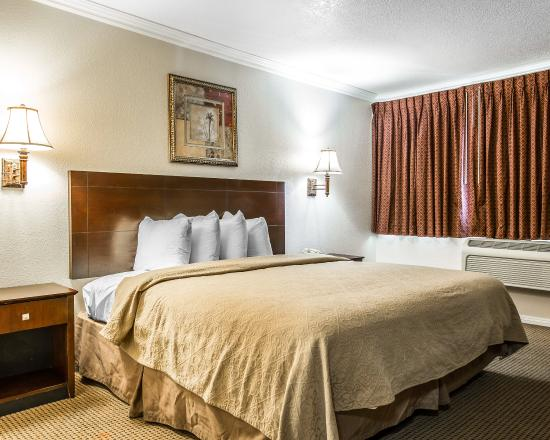 Quality Inn & Suites Thousand Oaks: CAASNK