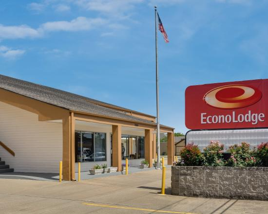 Econo Lodge Little Creek: Exterior