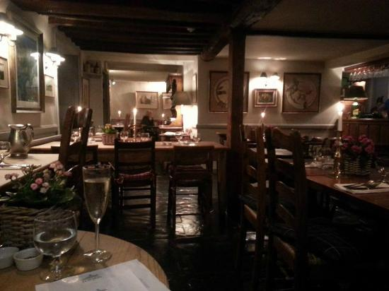 Lower Oddington, UK: The view of the dining room from our table