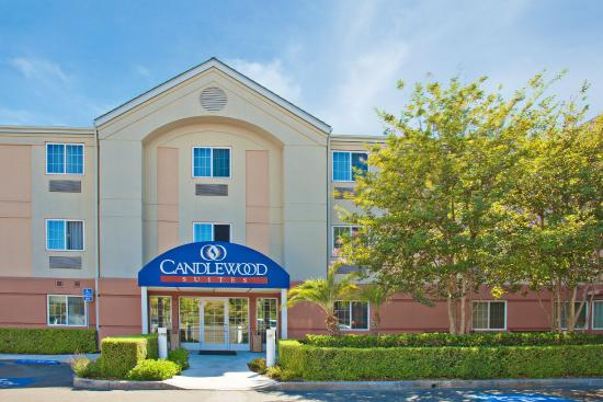 Candlewood Suites Orange County/ Irvine East: Hotel Exterior Candlewood Suites