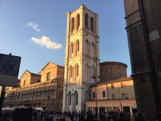 Locanda Borgonuovo B&B: Just one block from Locanda Borgonuovo: Ferrara Duomo