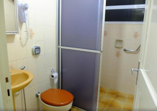 Hotel Flor Foz: banheiro falta atualização