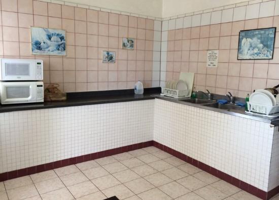 Tropics Hotel & Hostel: photo1.jpg