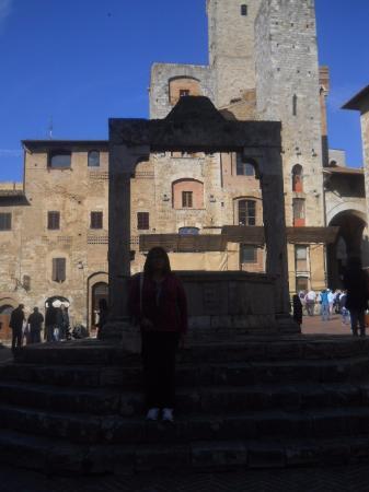 San Gimignano, Włochy: La Piazza