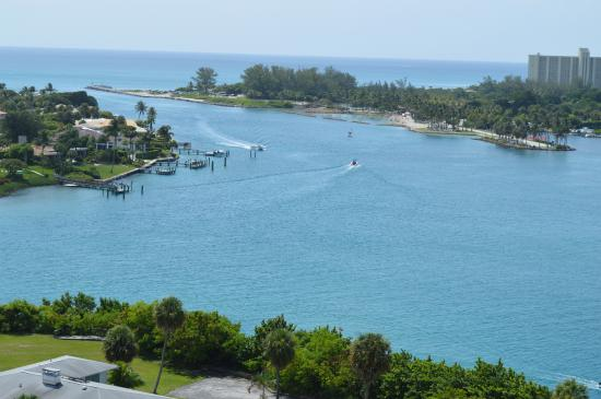 The Jupiter Inlet from the lighthouse.