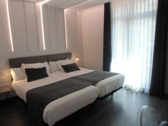 Santiago Lux : Habitación
