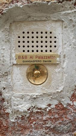 Al Palazzetto : Welcome bell