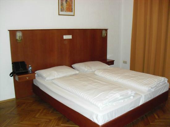 Hotel Carlton Opera: chambre