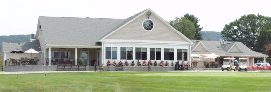 Plantsville, CT: Southington Country Club home to Back Nine Tavern