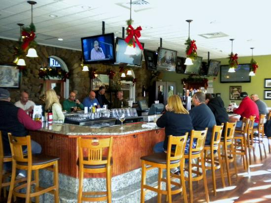 Plantsville, CT: Back Nine Tavern with Sports Bar