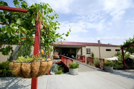 Prosser, WA: Kestrel Vintners Winery and Tasting Room