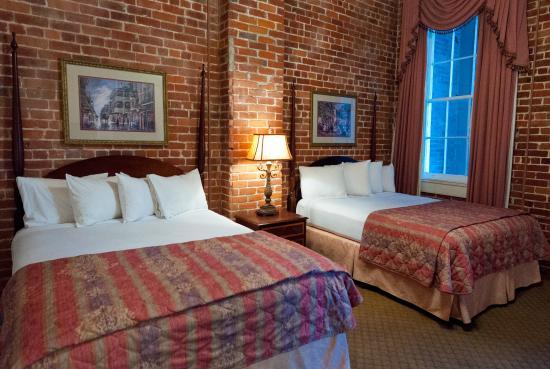 Place d'Armes Hotel: Queen Deluxe Room