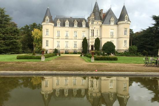 Château des Tesnières : exterior
